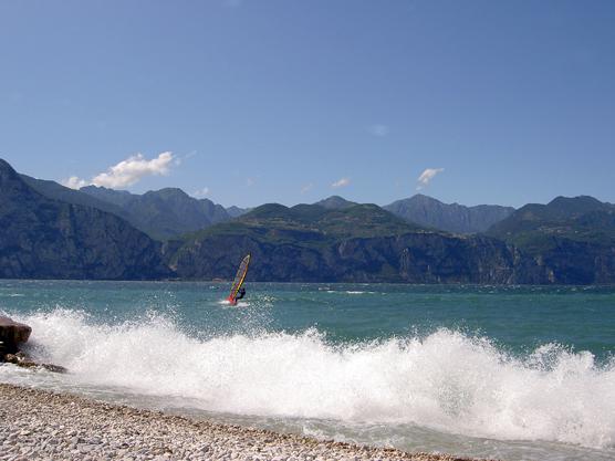 Matrimonio Spiaggia Lago Di Garda : Dettaglio immagine bollettino ufficiale della regione