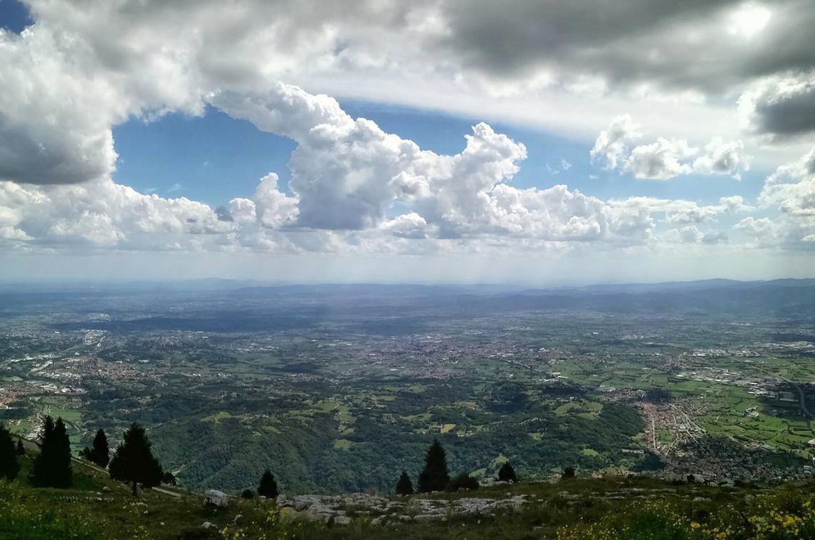 Monte Corno (VI), Panorama della Pedemontana Veneta da Malga Foraoro.