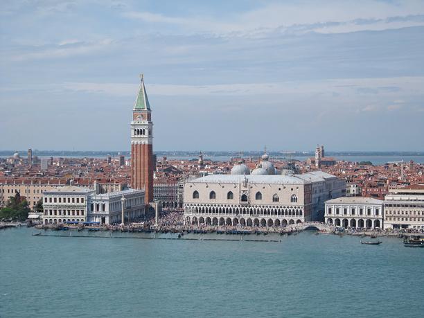 Venezia, Piazza San Marco vista dal campanile della Basilica di San Giorgio Maggiore.