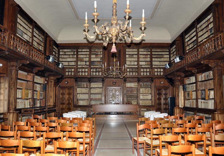 "Verona, Biblioteca Capitolare, ""La Biblioteca più antica del mondo""."