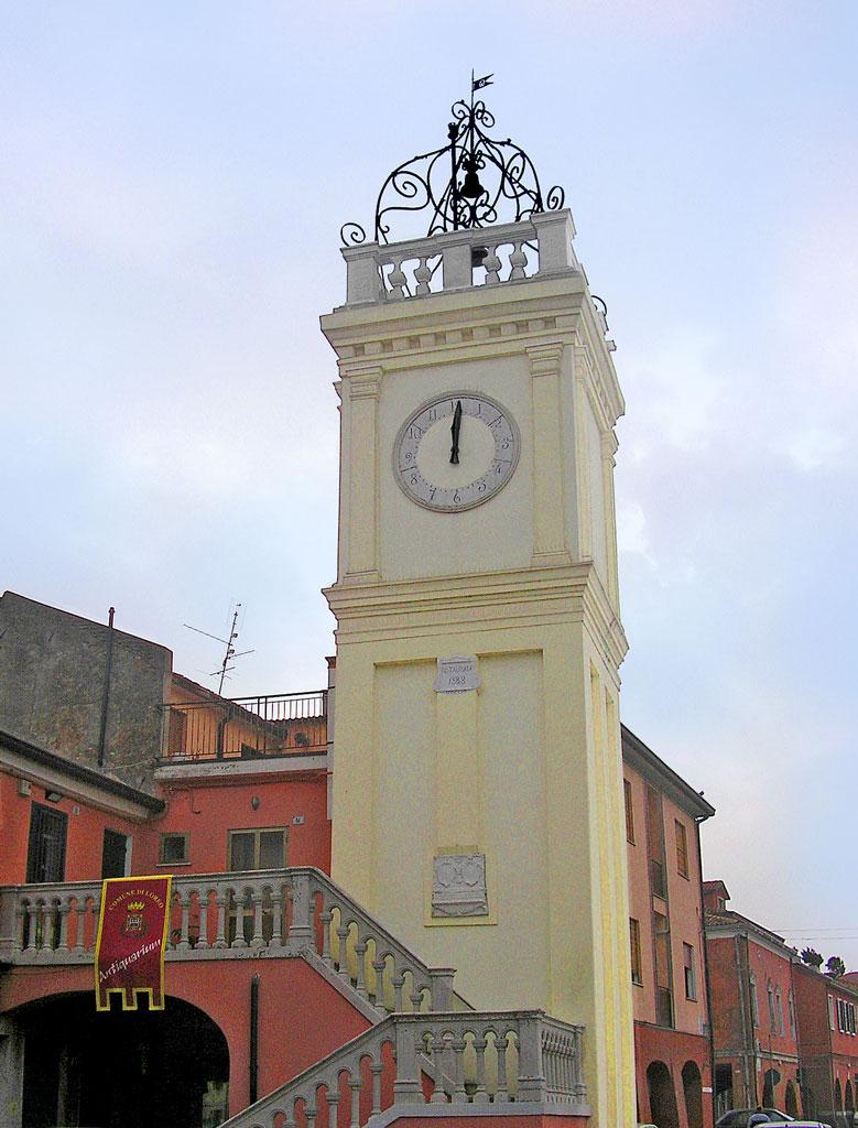 Loreo (Ro), Torre civica o dell