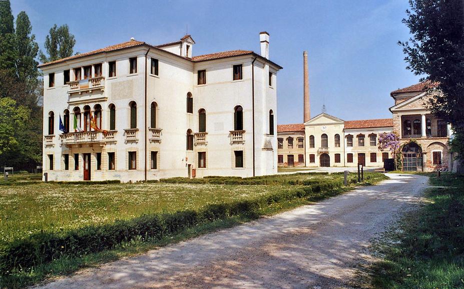 Salzano (Ve), Villa Donà e Filanda Romanin-Jacur.