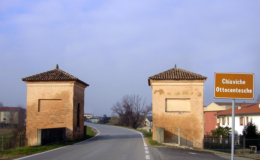 Porto Viro, Località Contarina (Ro), Chiaviche ottocentesche.
