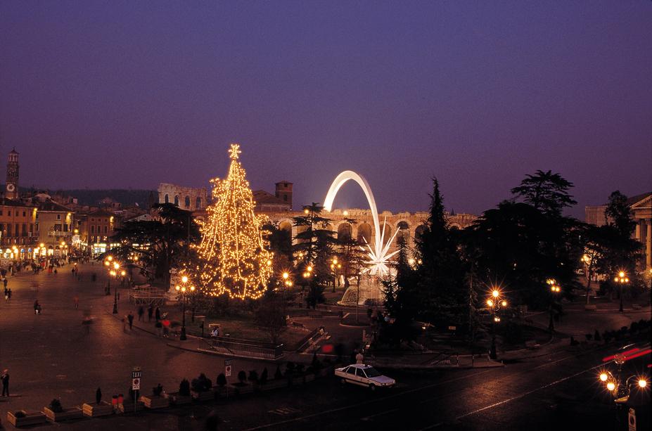 Verona, Natale in Piazza Bra.
