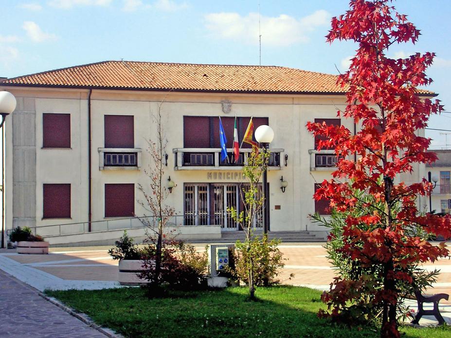Papozze (Ro), Municipio.