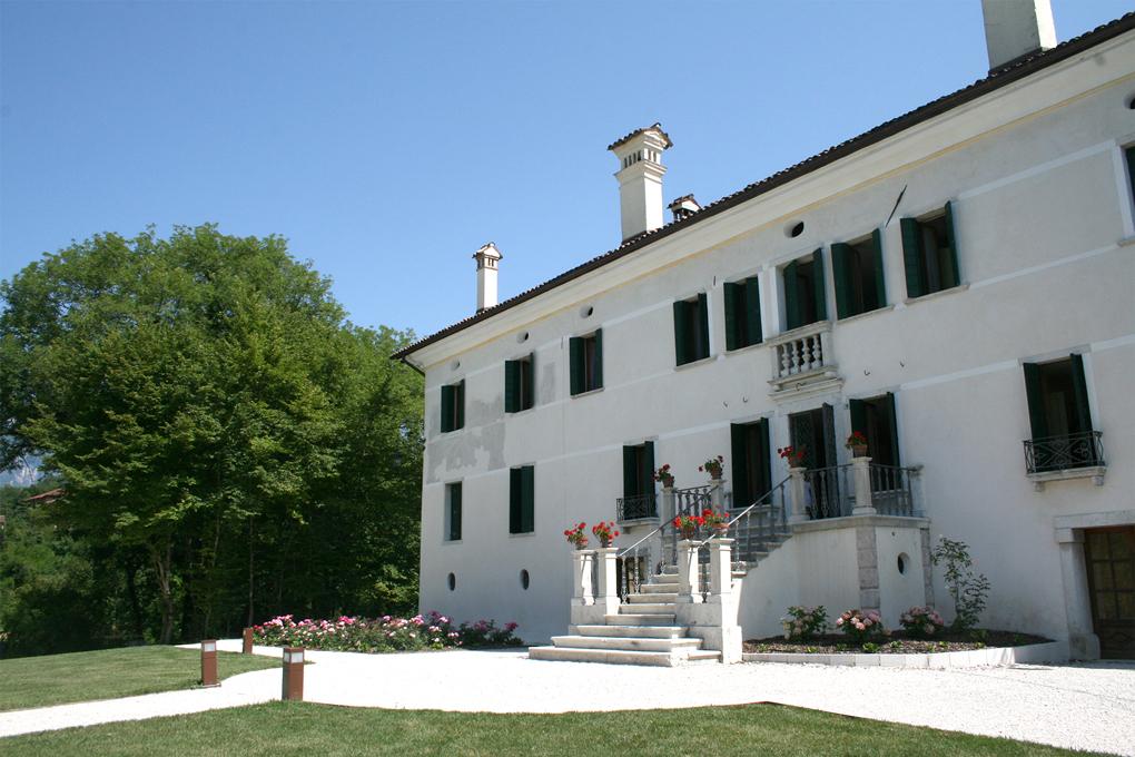 """Feltre (Bl), Villa Vellaio, Di Suni, detta """"San Liberale"""" o """"Erminia"""""""
