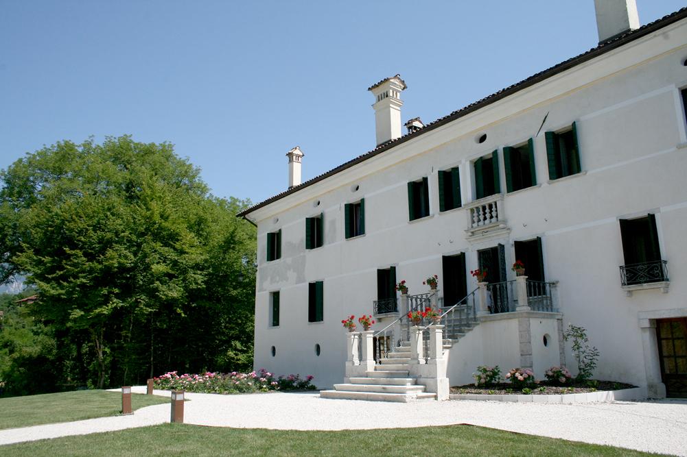 """Feltre (Bl), Villa Vellaio, Di Suni, detta """"San Liberale"""" o """"Erminia""""."""