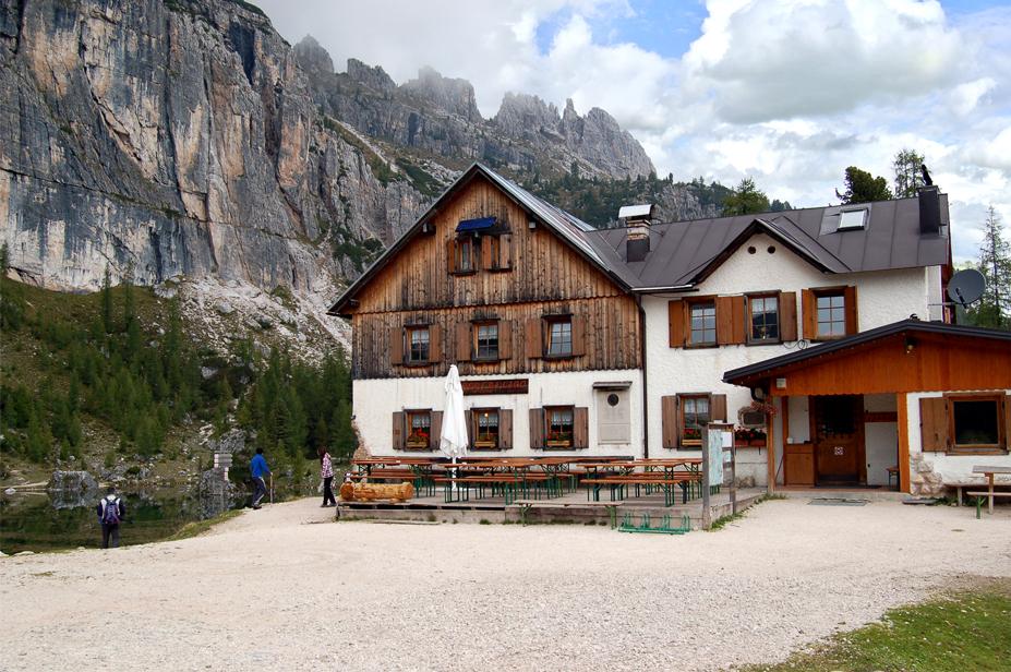 Cortina d'Ampezzo (Bl), Rifugio Croda da Lago - Gianni Palmieri.