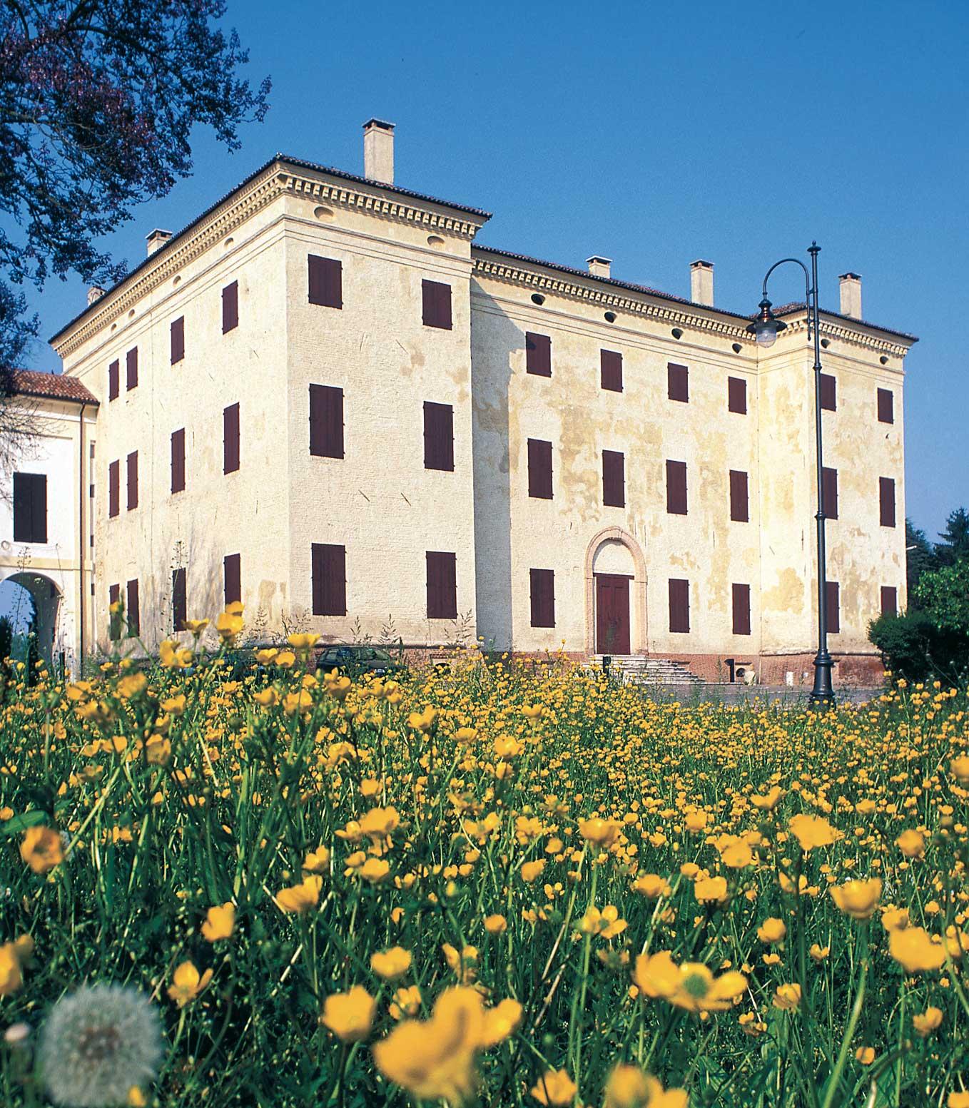 Trecenta (Ro), Palazzo Pepoli-Spalletti.