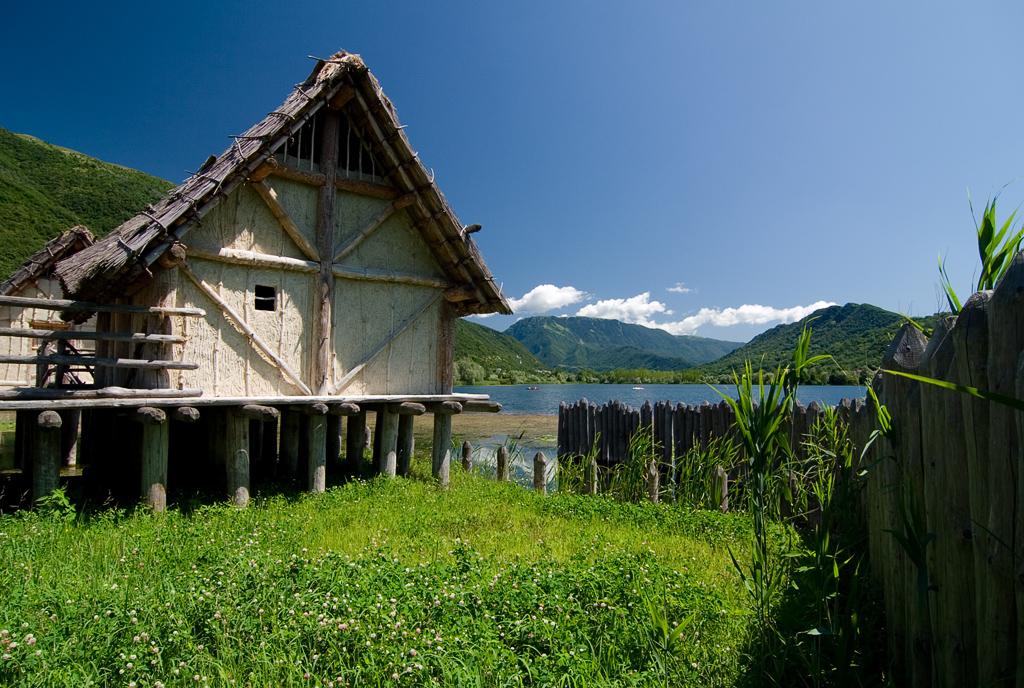 Revìne Lago (Tv), Parco Archeologico Didattico del Livelet, Villaggio palafitticolo.